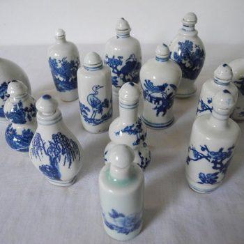 Botellas chinas pintadas