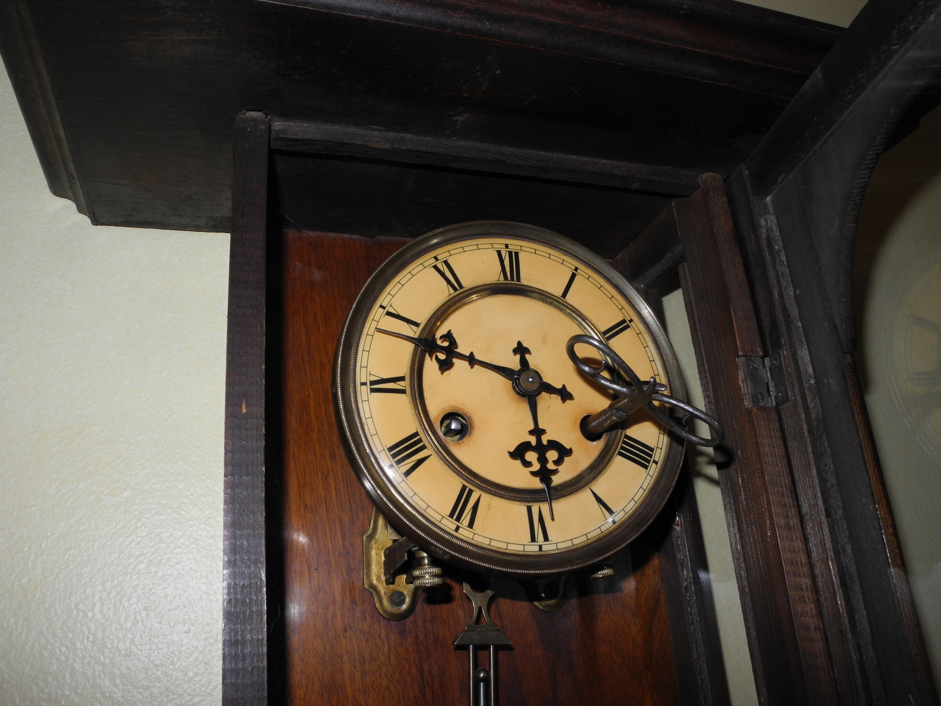 1bb08dd9b1a0 Reloj Aleman De La Famosa Casa Junghans Antiguo 3