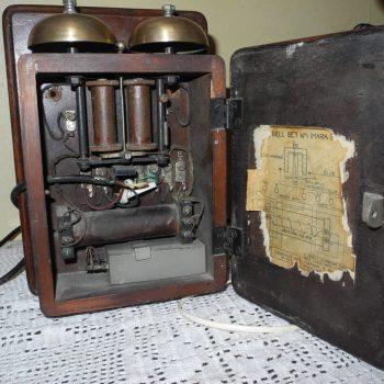 Telefono Candelero Con Caja De Resonacia Marca Bell