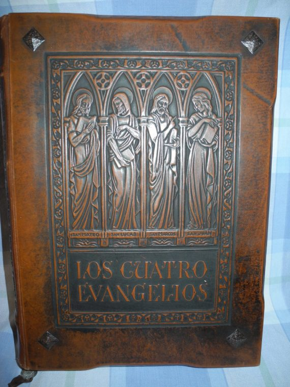 Libro Antiguo Fabuloso Los 4 Evangelios Vealo