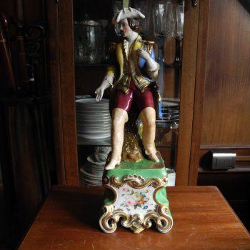 Porcelana Francesa De Hombre. Luis Xv Decorada A Mano