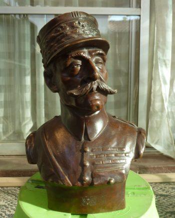 Estatua De Bronce Alto Oficial Francés - VENDIDA