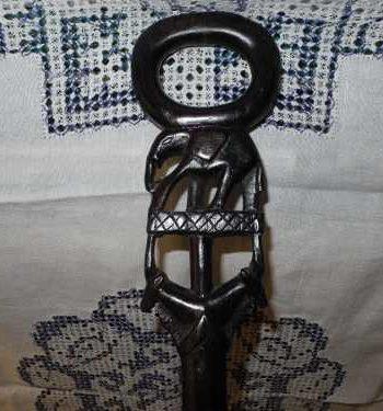 Baston Africano Con Madera Nativa 92 cm Alto