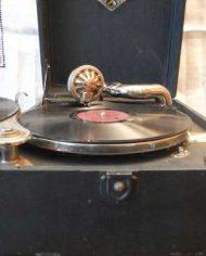 Gramofono Antiguo Victor Con 7 Discos De Vinilo 4
