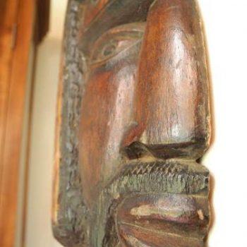 Tallado De Fiero Guerrero Suriname